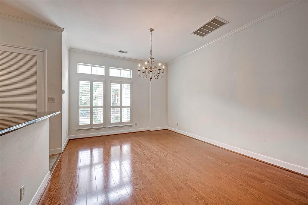 2622 Bevis, Houston, Harris, Texas, United States 77008, 2 Bedrooms Bedrooms, ,2 BathroomsBathrooms,Rental,Exclusive right to sell/lease,Bevis,34767197