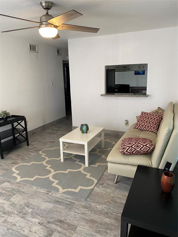 306 North, Houston, Harris, Texas, United States 77009, 2 Bedrooms Bedrooms, ,1 BathroomBathrooms,Rental,Exclusive right to sell/lease,North,85754516