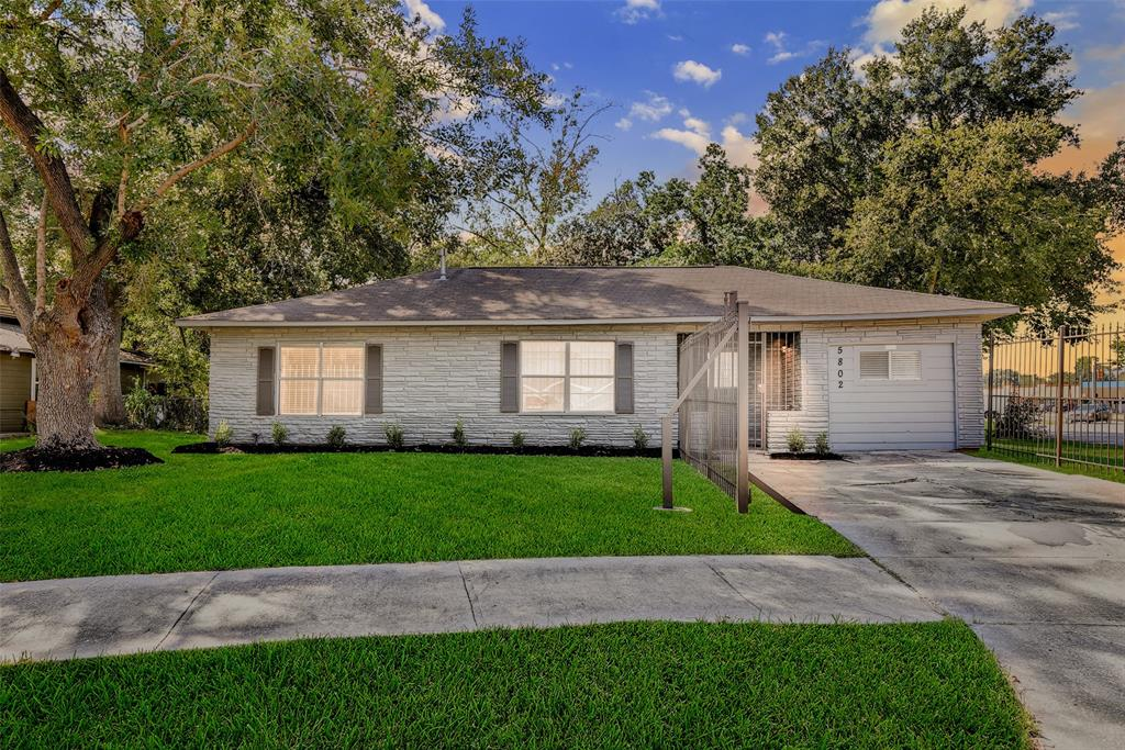 5802 Southford, Houston, Harris, Texas, United States 77033, 3 Bedrooms Bedrooms, ,1 BathroomBathrooms,Rental,Exclusive right to sell/lease,Southford,33439217