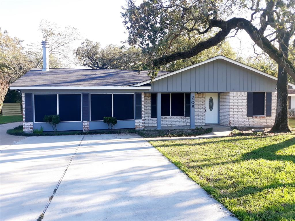 208 Timber, Baytown, Harris, Texas, United States 77520, 3 Bedrooms Bedrooms, ,2 BathroomsBathrooms,Rental,Exclusive right to sell/lease,Timber,42521787