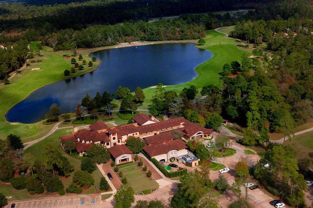Aerial view of the Carlton Woods Country Club Nicklaus, home to world-class golf!