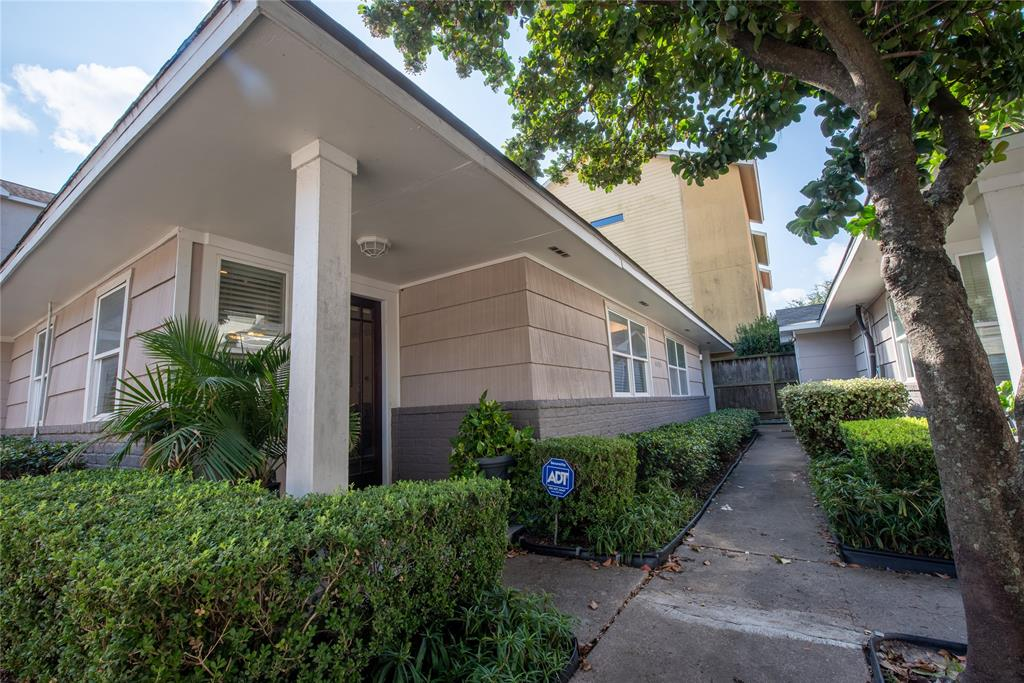 4405 Marina, Houston, Harris, Texas, United States 77007, 2 Bedrooms Bedrooms, ,1 BathroomBathrooms,Rental,Exclusive right to sell/lease,Marina,36559862