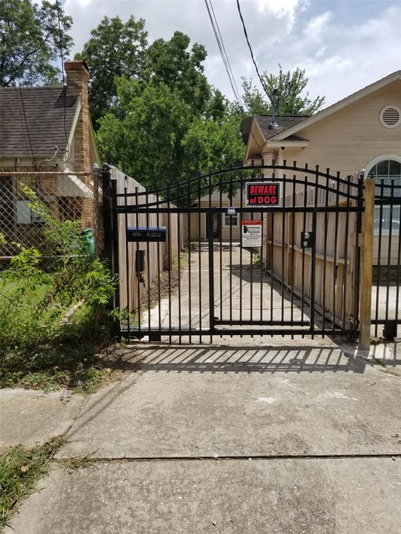 4714 Sharon, Houston, Harris, Texas, United States 77020, 2 Bedrooms Bedrooms, ,1 BathroomBathrooms,Rental,Exclusive right to sell/lease,Sharon,33772574