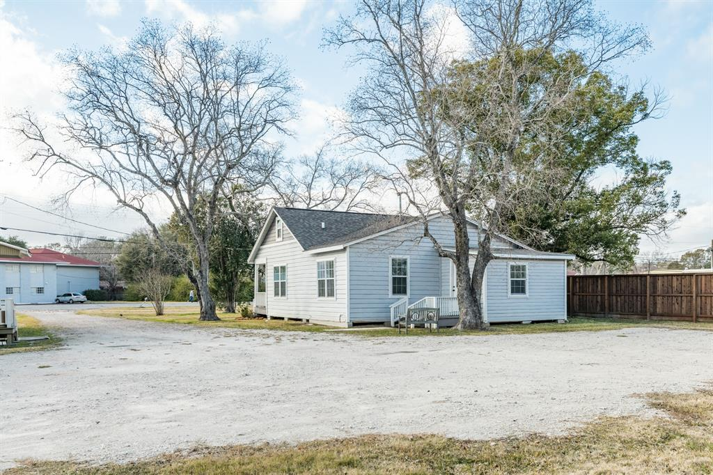 2115 State Highway 35 Business, Alvin, Brazoria, Texas, United States 77511, 2 Bedrooms Bedrooms, ,1 BathroomBathrooms,Rental,Exclusive right to sell/lease,State Highway 35 Business,30119415