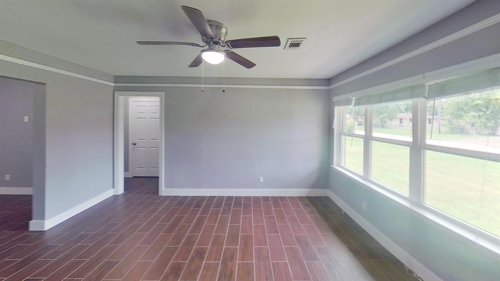 315 Delz, Houston, Harris, Texas, United States 77022, 3 Bedrooms Bedrooms, ,1 BathroomBathrooms,Rental,Exclusive right to sell/lease,Delz,59209617