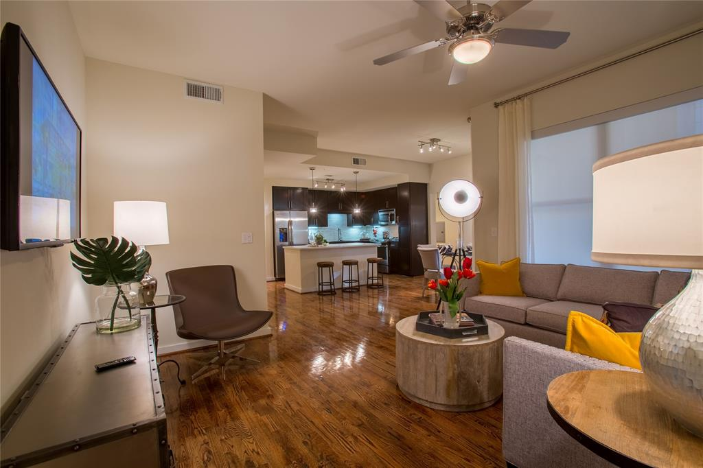 500 Crawford, Houston, Harris, Texas, United States 77002, 2 Bedrooms Bedrooms, ,2 BathroomsBathrooms,Rental,Exclusive right to sell/lease,Crawford,12738417