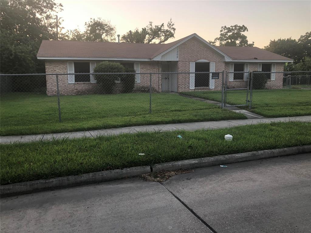 11202 Glenhollow, Houston, Harris, Texas, United States 77048, 3 Bedrooms Bedrooms, ,1 BathroomBathrooms,Rental,Exclusive right to sell/lease,Glenhollow,83283981