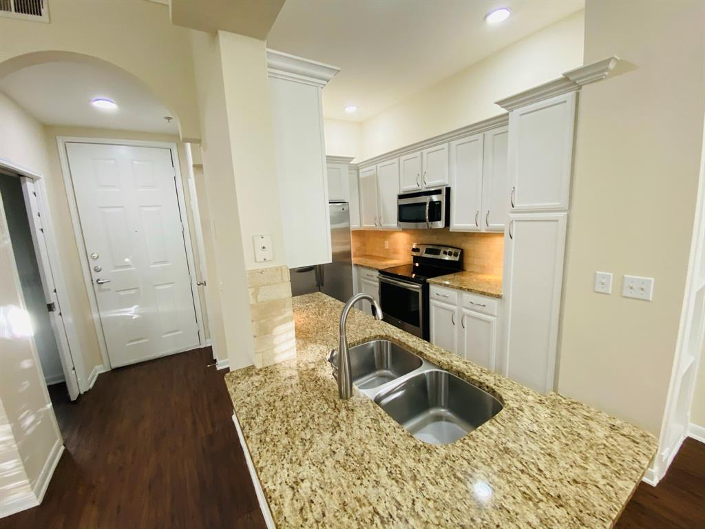 1901 Post Oak Park, Houston, Harris, Texas, United States 77027, 2 Bedrooms Bedrooms, ,2 BathroomsBathrooms,Rental,Exclusive agency to sell/lease,Post Oak Park,13506617