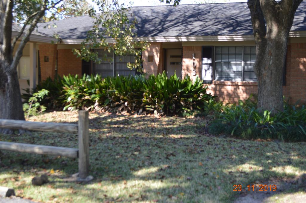 103 Meadow, West Columbia, Brazoria, Texas, United States 77486, 3 Bedrooms Bedrooms, ,1 BathroomBathrooms,Rental,Exclusive right to sell/lease,Meadow,21662867