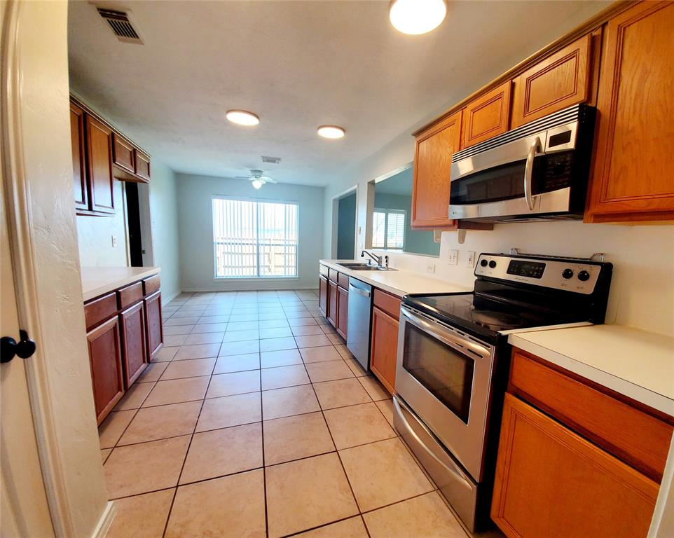 4901 Archway, La Porte, Harris, Texas, United States 77571, 4 Bedrooms Bedrooms, ,3 BathroomsBathrooms,Rental,Exclusive right to sell/lease,Archway,82599099