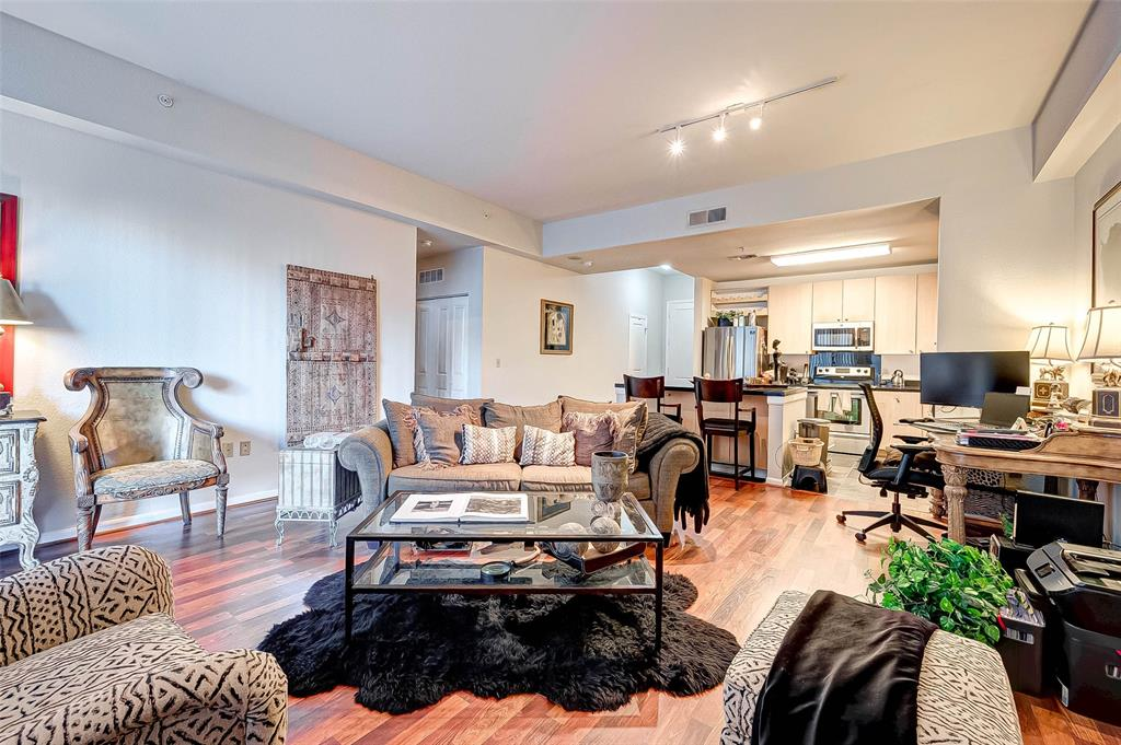 3505 Sage, Houston, Harris, Texas, United States 77056, 1 Bedroom Bedrooms, ,1 BathroomBathrooms,Rental,Exclusive right to sell/lease,Sage,55583223