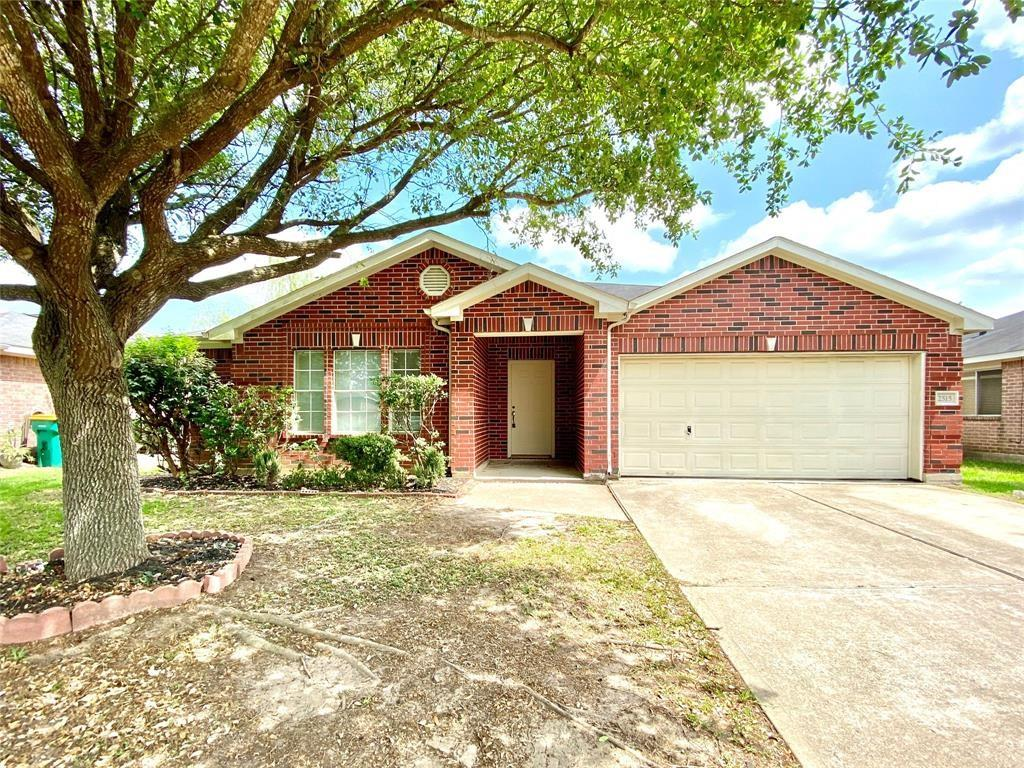 2515 Nicholas, Pearland, Brazoria, Texas, United States 77581, 4 Bedrooms Bedrooms, ,2 BathroomsBathrooms,Rental,Exclusive right to sell/lease,Nicholas,67938926