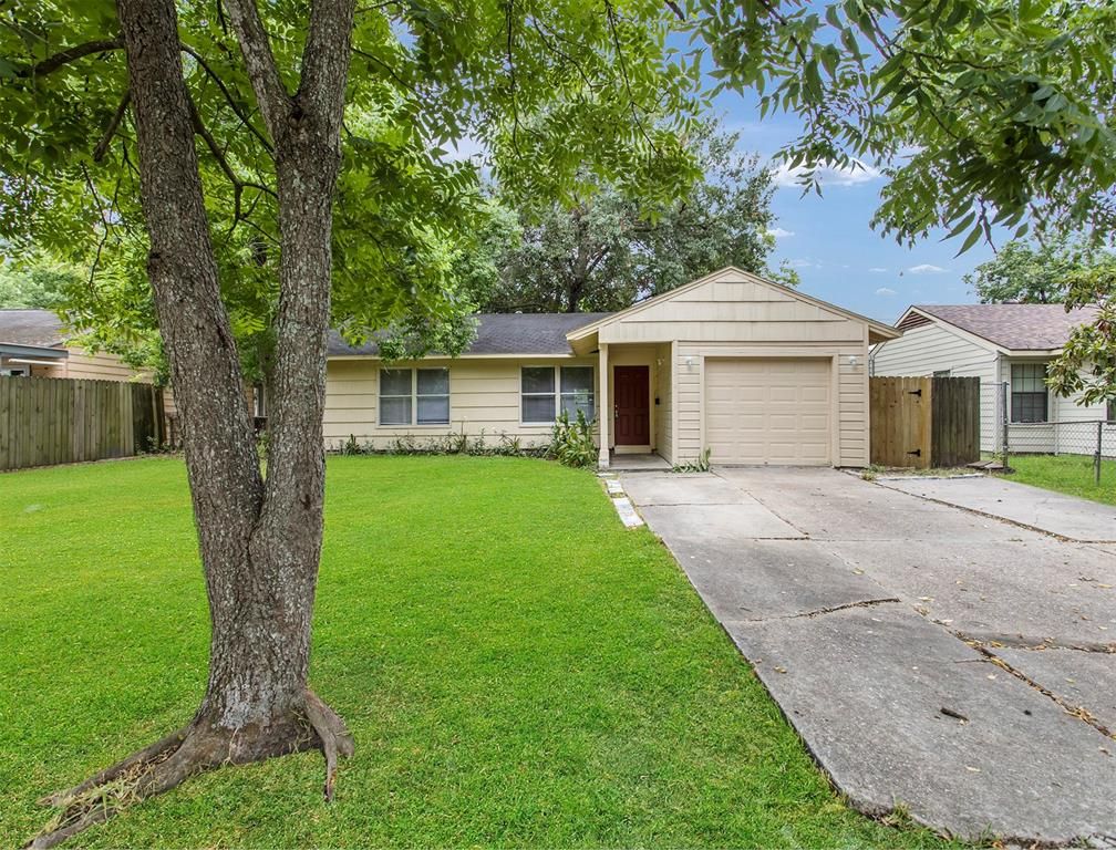 5814 Southwind, Houston, Harris, Texas, United States 77033, 3 Bedrooms Bedrooms, ,1 BathroomBathrooms,Rental,Exclusive right to sell/lease,Southwind,91629261