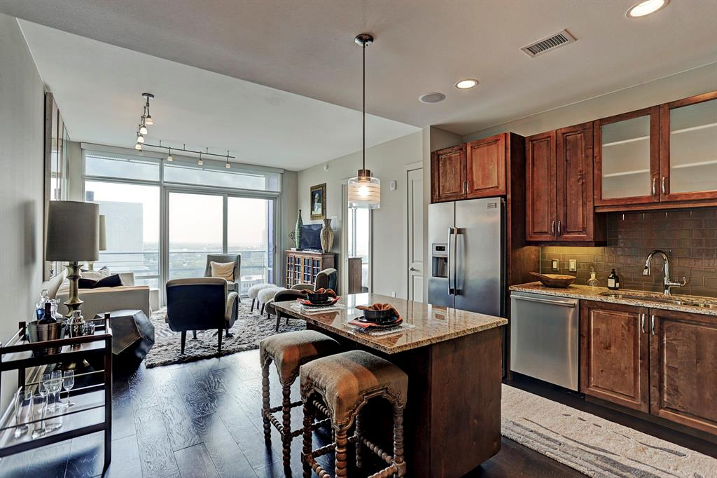 2929 Weslayan, Houston, Harris, Texas, United States 77027, 1 Bedroom Bedrooms, ,1 BathroomBathrooms,Rental,Exclusive right to sell/lse w/ named prospect,Weslayan,68327725