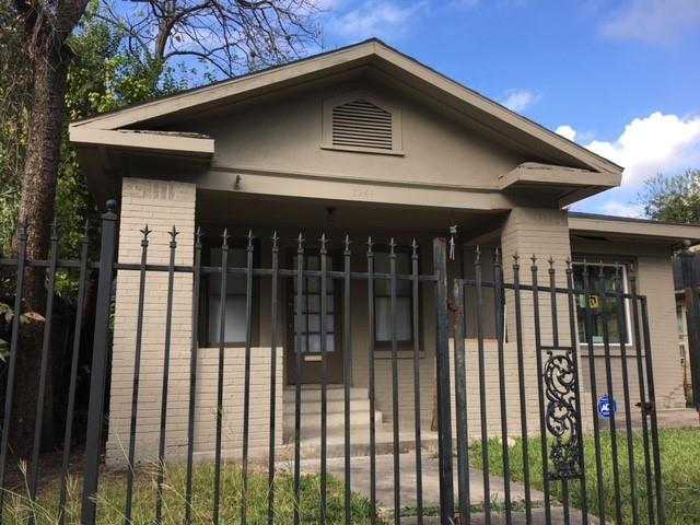 1244 Gray, Houston, Harris, Texas, United States 77019, 3 Bedrooms Bedrooms, ,1 BathroomBathrooms,Rental,Exclusive agency to sell/lease,Gray,3939241