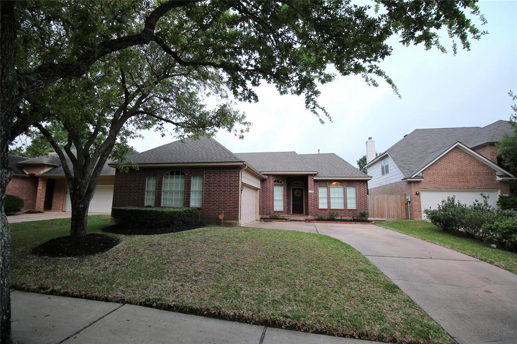 114 Chandler Ct, Sugar Land, Fort Bend, Texas, United States 77479, 3 Bedrooms Bedrooms, ,2 BathroomsBathrooms,Rental,Exclusive right to sell/lease,Chandler Ct,32172097