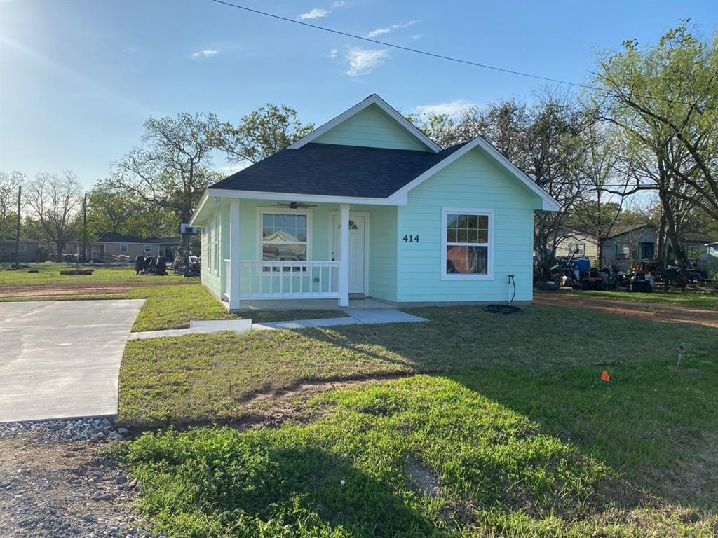 414 17th, West Columbia, Brazoria, Texas, United States 77486, 2 Bedrooms Bedrooms, ,2 BathroomsBathrooms,Rental,Exclusive right to sell/lease,17th,19489434