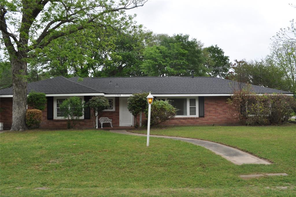 1506 Smith, Waller, Waller, Texas, United States 77484, 3 Bedrooms Bedrooms, ,2 BathroomsBathrooms,Rental,Exclusive right to sell/lease,Smith,30631972