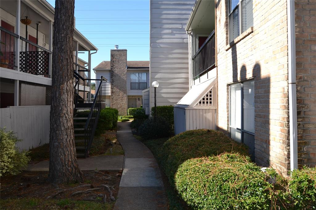 2100 Wilcrest, Houston, Harris, Texas, United States 77042, 2 Bedrooms Bedrooms, ,1 BathroomBathrooms,Rental,Exclusive right to sell/lease,Wilcrest,81202152