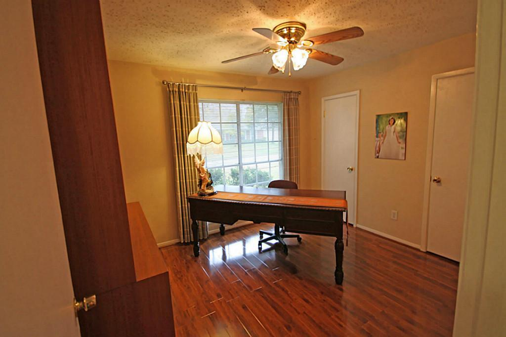 8102 Langdon, Houston, Harris, Texas, United States 77036, 3 Bedrooms Bedrooms, ,2 BathroomsBathrooms,Rental,Exclusive right to sell/lease,Langdon,91080383