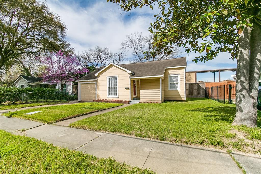 927 Walling, Houston, Harris, Texas, United States 77009, 2 Bedrooms Bedrooms, ,1 BathroomBathrooms,Rental,Exclusive right to sell/lease,Walling,67418857