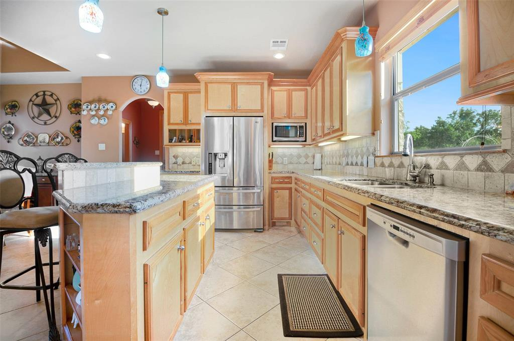 What a delight for the lovers of kitchen space !