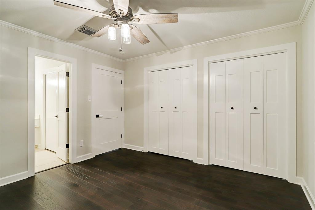 This secondary suite includes a large window, fantastic closet space and a semi-private en suite bathroom that also opens to the hall.
