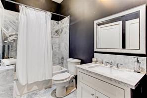 204 Stratford, Houston, Harris, Texas, United States 77006, 5 Bedrooms Bedrooms, ,3 BathroomsBathrooms,Rental,Exclusive right to sell/lease,Stratford,67383451