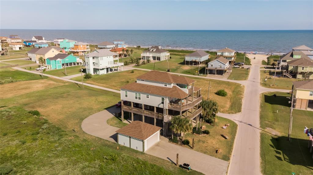 879 Gulf Shores Drive, Crystal Beach, TX 77650