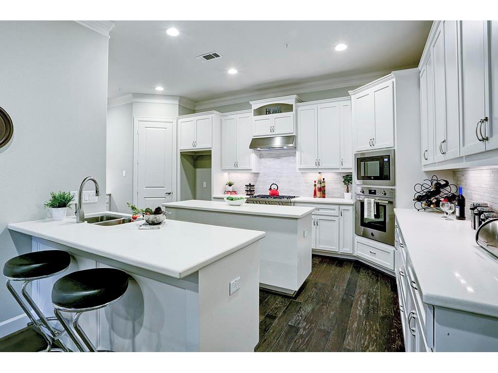 2433 C Dorrington Street, Houston, TX, 77030   Greenwood King Properties