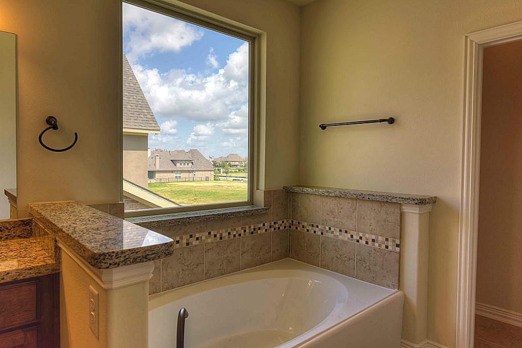 Generous Garden Tub Tile Photos - Shower Room Ideas - bidvideos.us