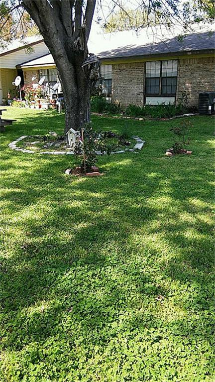 10x10 Room With King: 1100 Janet Circle, Kaufman, TX 75142