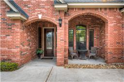Enjoy the  seating area in your front entry porch to watch your children playing in the Cul-De-Sac.