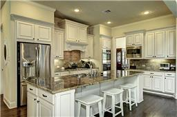 Gorgeous and Functional Chefs Dream Kitchen