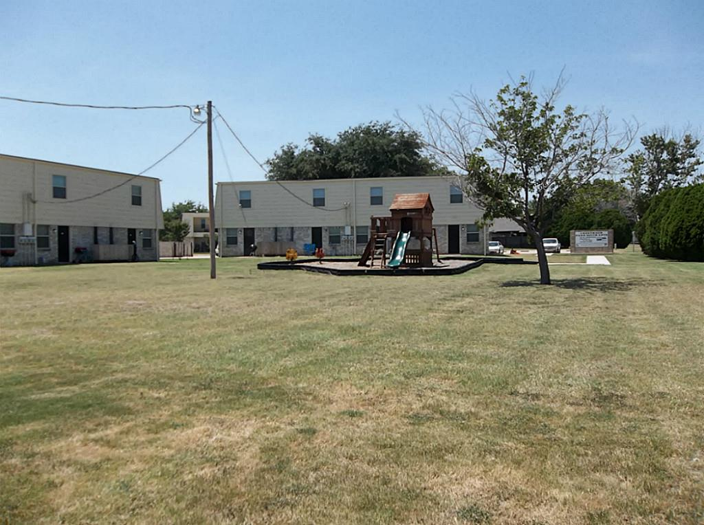 321 Thomas, Burleson, TX 76028