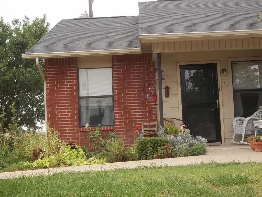 502 W Criner Street, Grandview, TX 76050