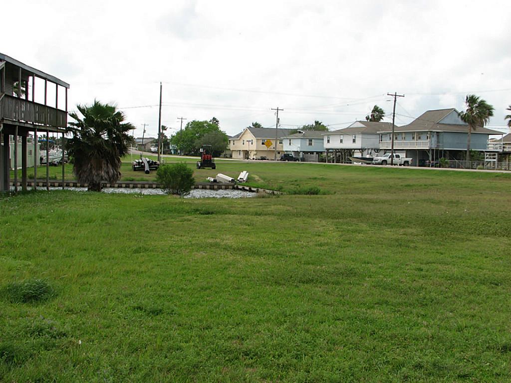 108 Treasure Lane, Freeport, TX 77541