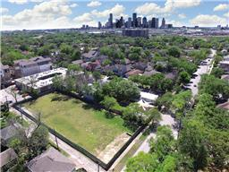 2930 michaux street, houston, TX 77009