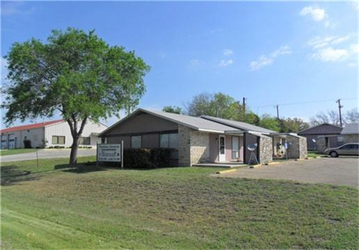 400 Brewster Avenue, Florence, TX 76527