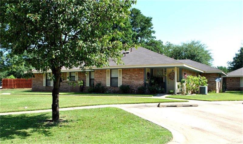 806 E Houston Street, Queen City, TX 75572