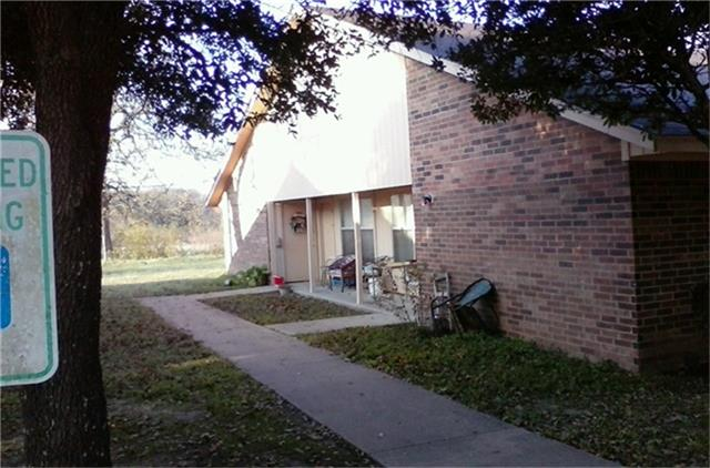 705 W Mitchell, Calvert, TX 77837