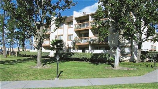 302 W Merrill Avenue, Rialto, CA 92376