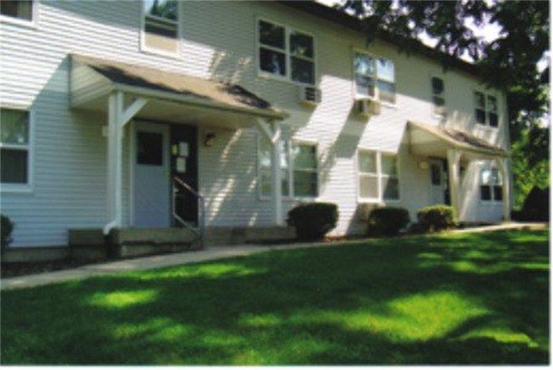 406 E Elm Street, Other, IL 61024