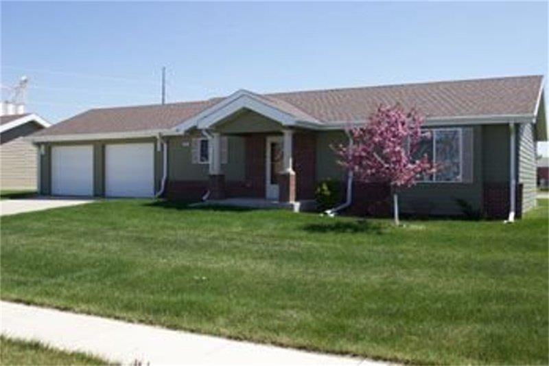 800 West 25th Street, South Sioux City, NE 68776