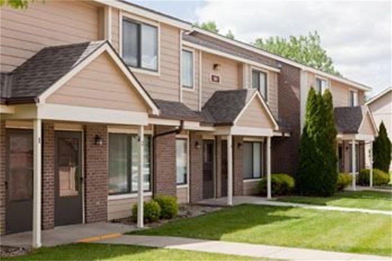 635 Ashton Place, Other, IA 52402