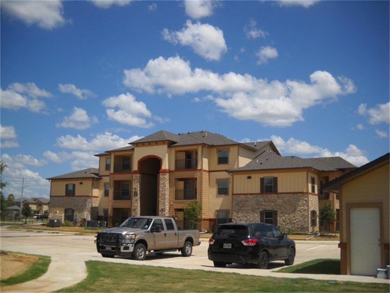 202 Aquero Boulevard, Laredo, TX 78045