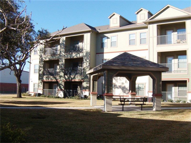 200 W Yoakum Avenue, Kingsville, TX 78363