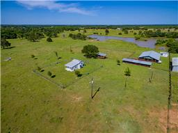 5148 County Road 240, Waelder TX 78959