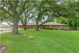 3816 e wallisville road, baytown, TX 77521