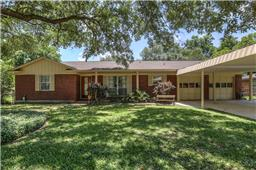 203 bluebird lane, pasadena, TX 77502